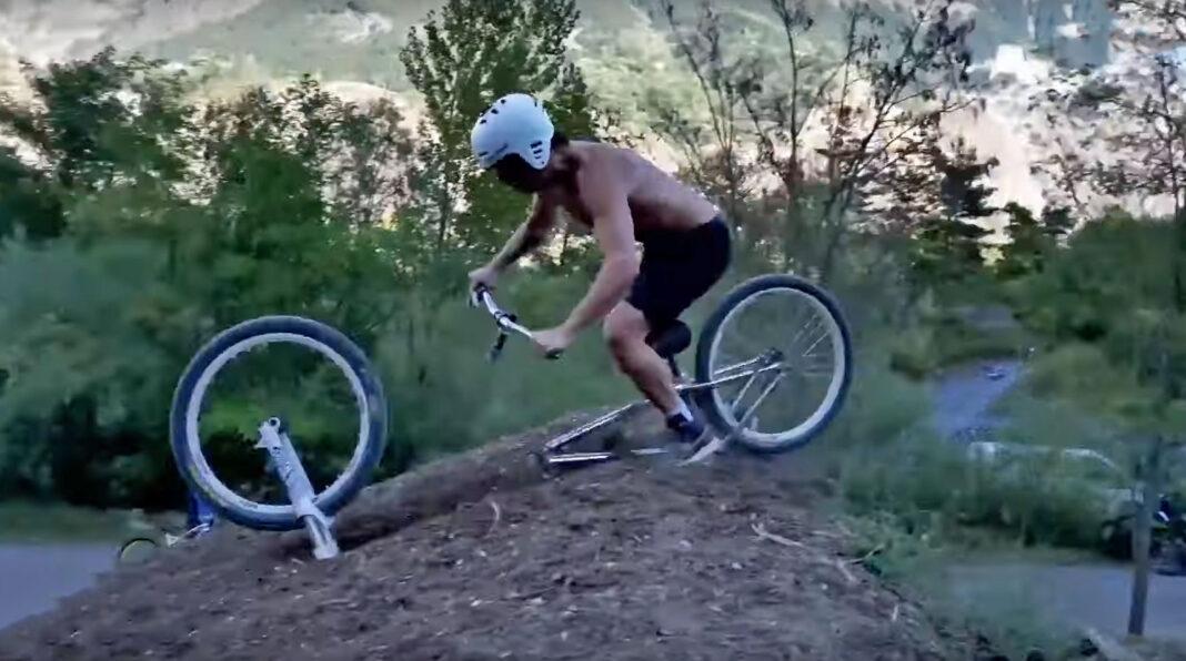 Vídeo-Esto-no-lo-has-visto-nunca.-10-minutos-de-las-peores-caídas-en-bicicleta