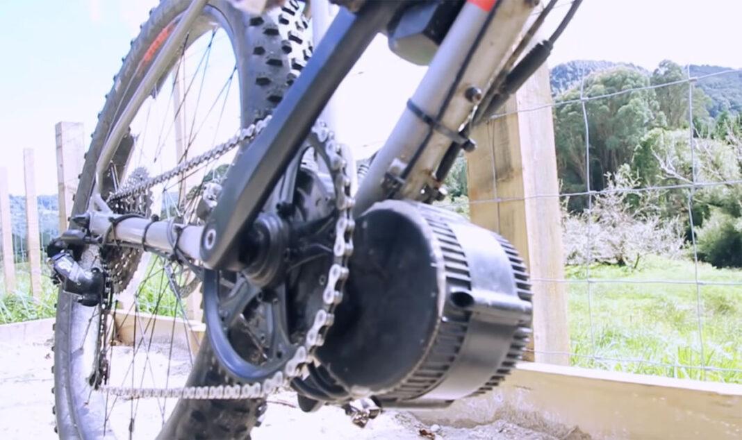 Denunciado por montar en una bicicleta eléctrica sin permiso y con un motor colocado por el propio ciclista