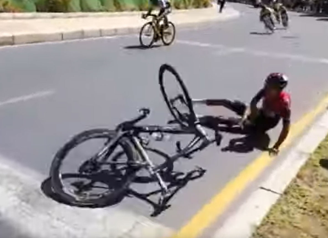 Me-quedé-mareado-no-sabía-que-estaba-pasando.-Egan-Bernal-tras-su-fuerte-caída-en-bicicleta