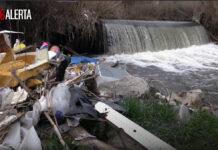 #VergüenzaGuadarrama.-Prohibir-montar-en-bicicleta-de-montaña-pero-permitir-vertederos-ilegales-dentro-del-río