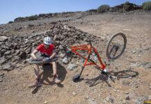 como-evitar-los-pinchazos-en-bicicleta-con-el-liquido-tubeless-ruedas