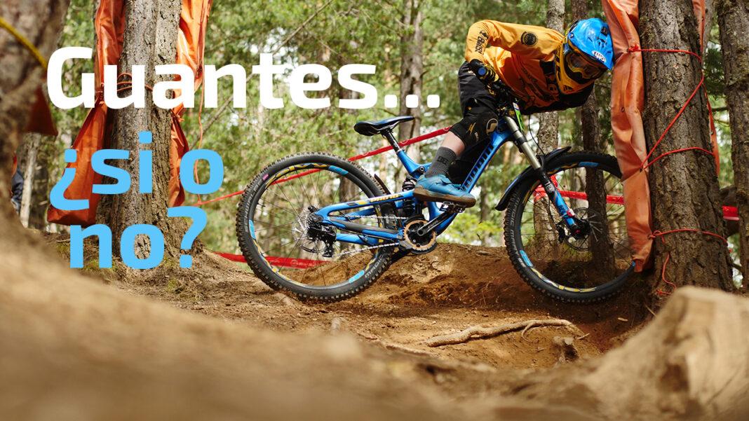 guantes-si-o-guantes-no-montando-en-bicicleta-caida-descenso-ciclismo
