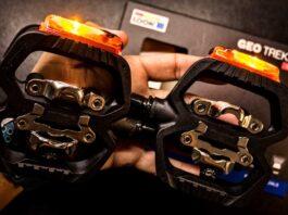pedales automáticos híbridos con luz GEO Trekking Vision de Look