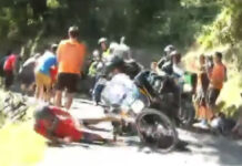Caída de Van Avermaet al chocar con una moto en la Clasica a San Sebastían del 2015 - Archivo