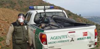 Escondido-en-la-montaña-un-ciclista-sale-cuando-los-agentes-se-llevaban-su-bicicleta-fatbike-electrica