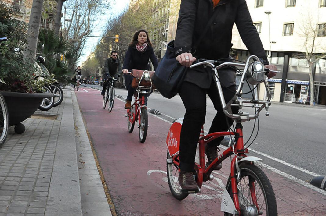 Guantes, mascarilla, dos metros entre ciclistas y 57 nuevas estaciones en la reapertura de Bicing Barcelona