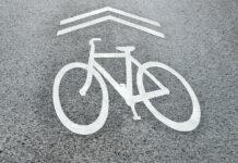Palencia-comienza-a-señalizar-las-primeras-vías-ciclistas-sobre-asfalto-contra-la-pandemia