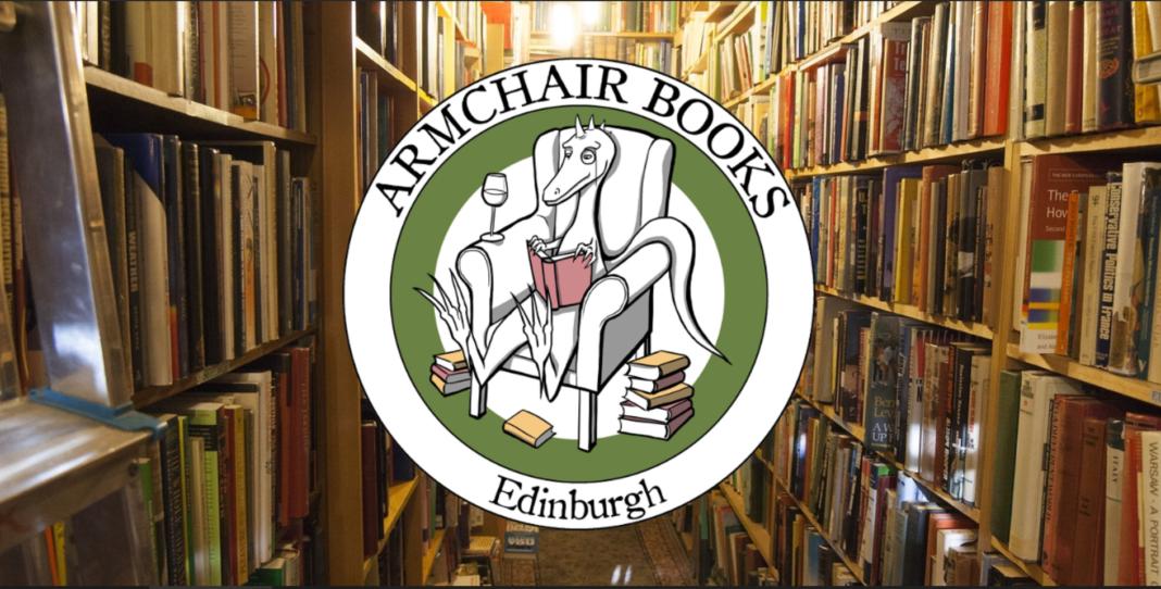 Libros-en-bicicleta-la-original-idea-de-esta-antigua-librería
