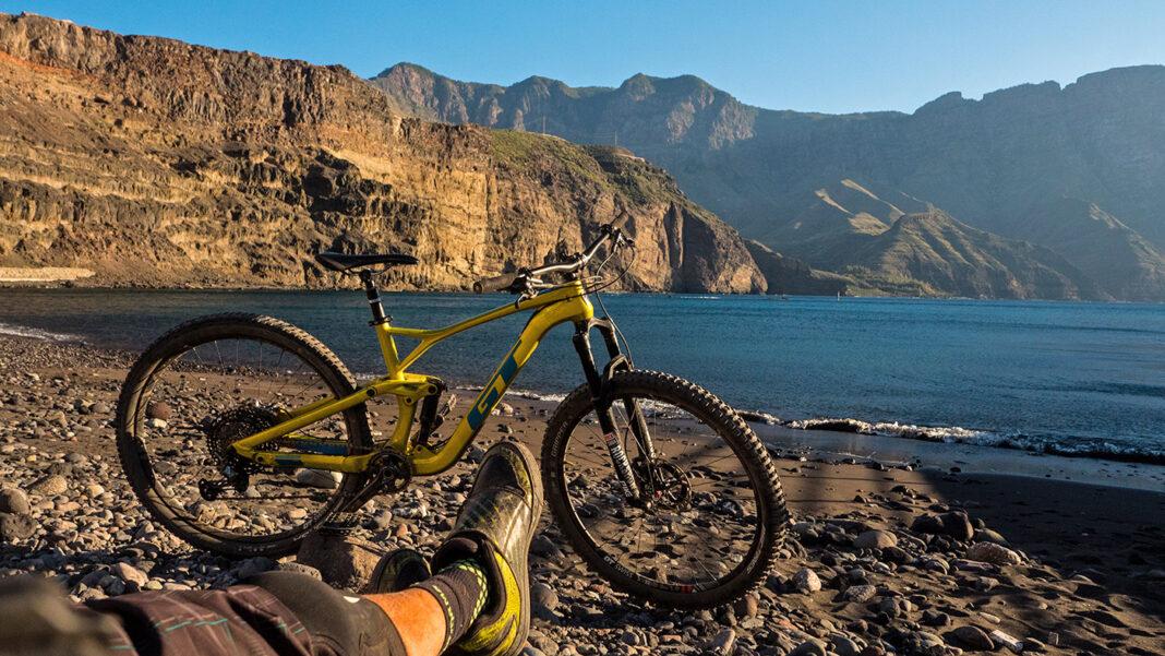 Un-consejo-a-todos-los-ciclistas-que-salgan-a-montar-en-bicicleta-el-sábado-día-2-de-Mayo
