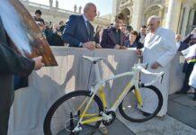 Así va la subasta de la bicicleta que Peter Sagan regaló al Papa Francisco