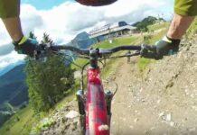 Sirve una bicicleta eléctrica para hacer descenso en un bike park