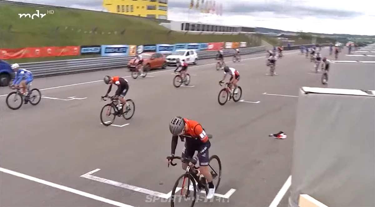 Vídeo-Así-ha-sido-la-primera-competición-ciclista-en-Alemania-Circuito-cerrado-50-participantes
