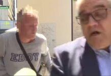Vídeo-Atropella-con-su-bicicleta-al-alcalde-cuando-estaba-en-directo-en-una-entrevista