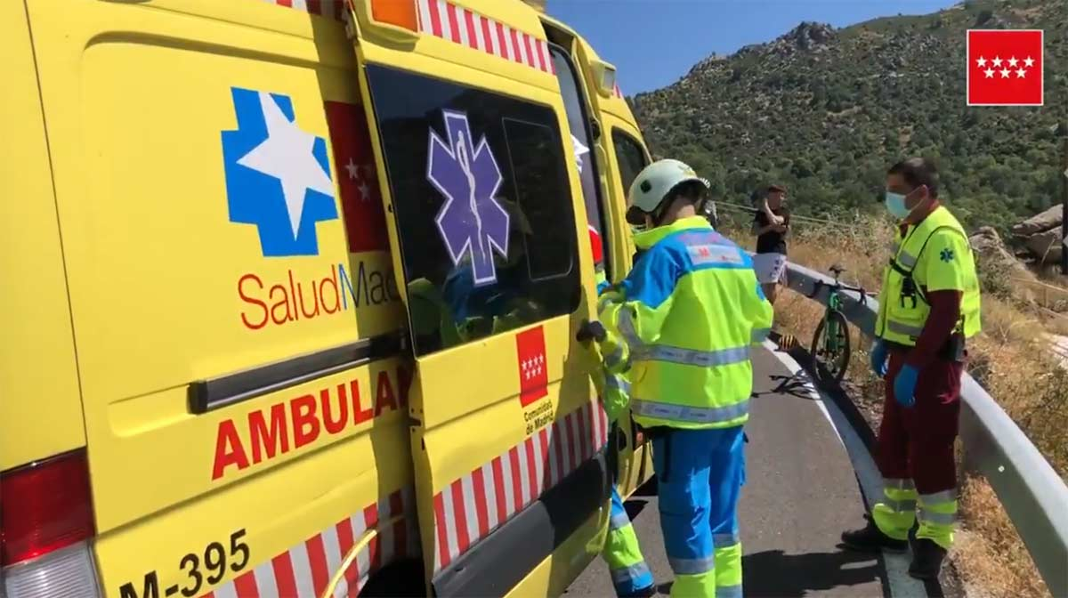 Vídeo: Evacuado en helicóptero un ciclista tras perder el control de su bicicleta en Madrid