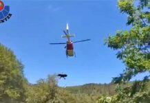 Vídeo: Impresionante rescate de una ciclista herida en el País Vasco