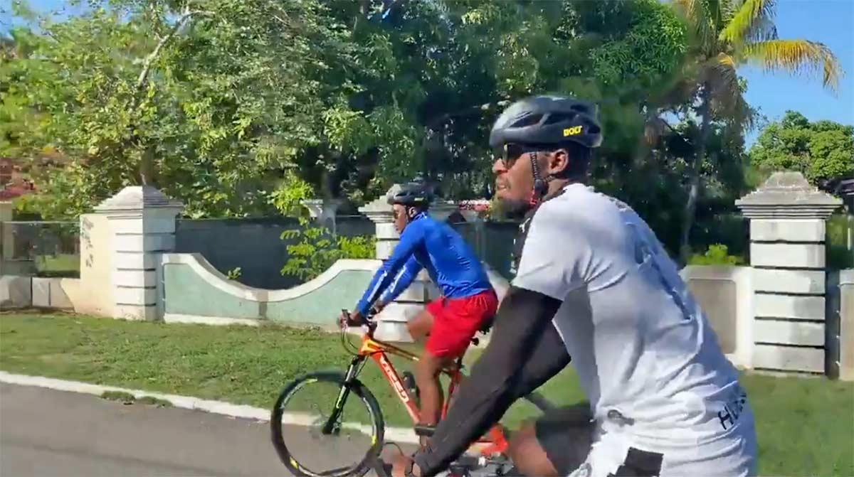 Vídeo: ¿Usain Bolt en bicicleta? ¿Será igual de rápido que corriendo?