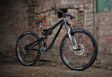 Esta-es-la-impresionante-bicicleta-creada-para-celebrar-los-30-años-de-la-marca-Nukeproof