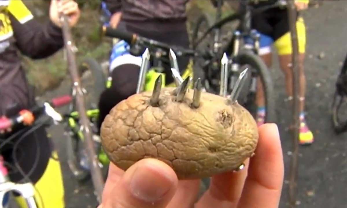 Patatas con clavos, palos, cables... Las nuevas trampas ciclistas en Galicia
