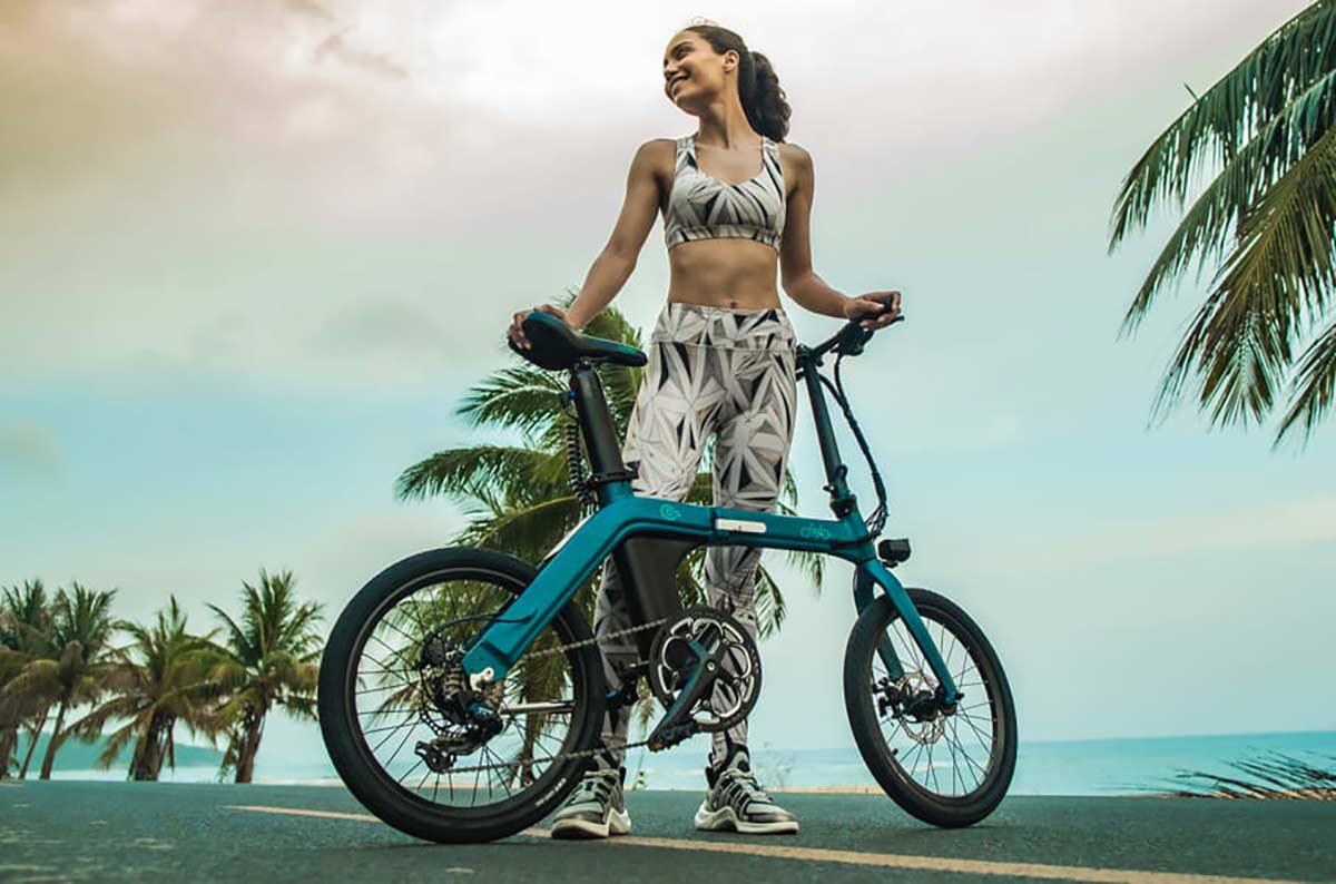 Una-bicicleta-eléctrica-plegable-de-12-kg-con-100-km-de-autonomía-por-700€-Así-es-la-FIIDO-D11