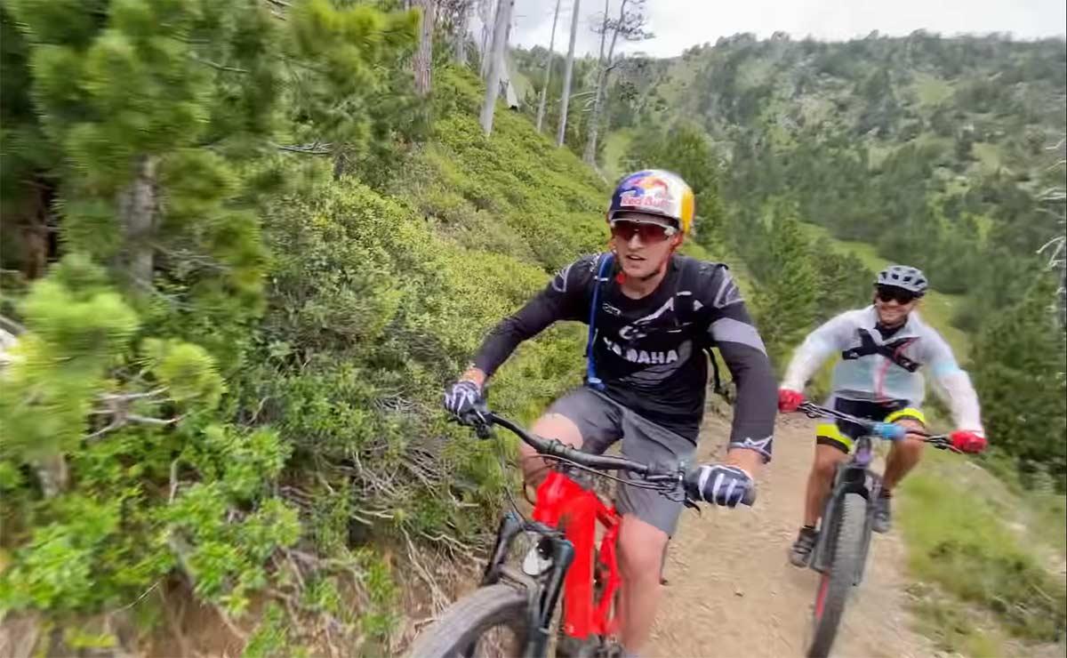 Vídeo-Coloma-y-compañía-en-bicicleta-eléctrica-por-Vallnord-Bike-Park