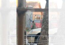 Vídeo: Dos ladrones de bicicletas pillados in fraganti por policía robando en una casa