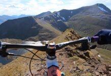 """Vídeo: Esto es lo que se llama en ciclismo """"un camino de cabras"""". Joe Barnes en el Sgurr Eilde Mor"""