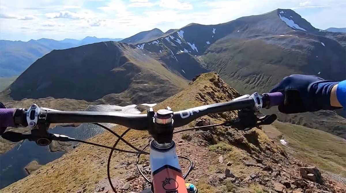 Vídeo: Esto es lo que se llama en ciclismo