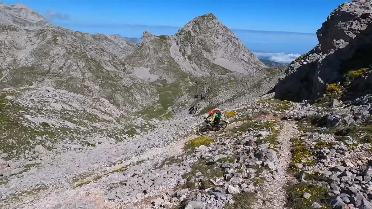 Los ciclistas de montaña considerados delincuentes en los Picos de Europa