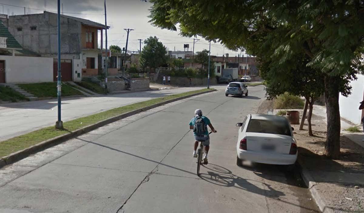 Un oficial de policía borracho atropella a un ciclista al perder el control de su coche en Palpalá, Argentina