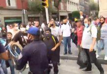 Vídeo-Varias-personas-evitan-que-la-policía-se-lleve-una-bicicleta-de-una-vendedora-de-tacos-en-México-lady-tacos-canasta