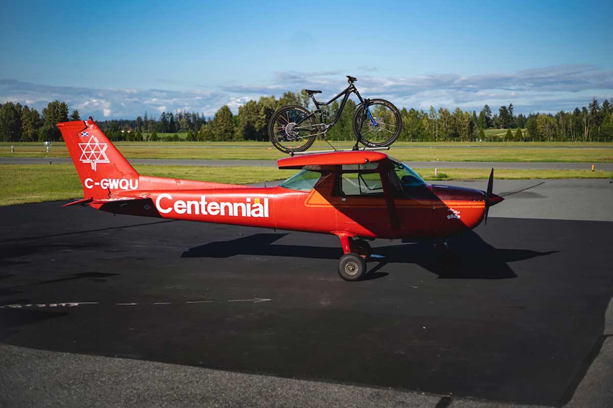 Vídeo: Reece Wallace, un ciclista con avión y licencia de piloto