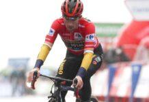 Roglic y el chubasquero que le hizo perder el primer puesto en La Vuelta Ciclista