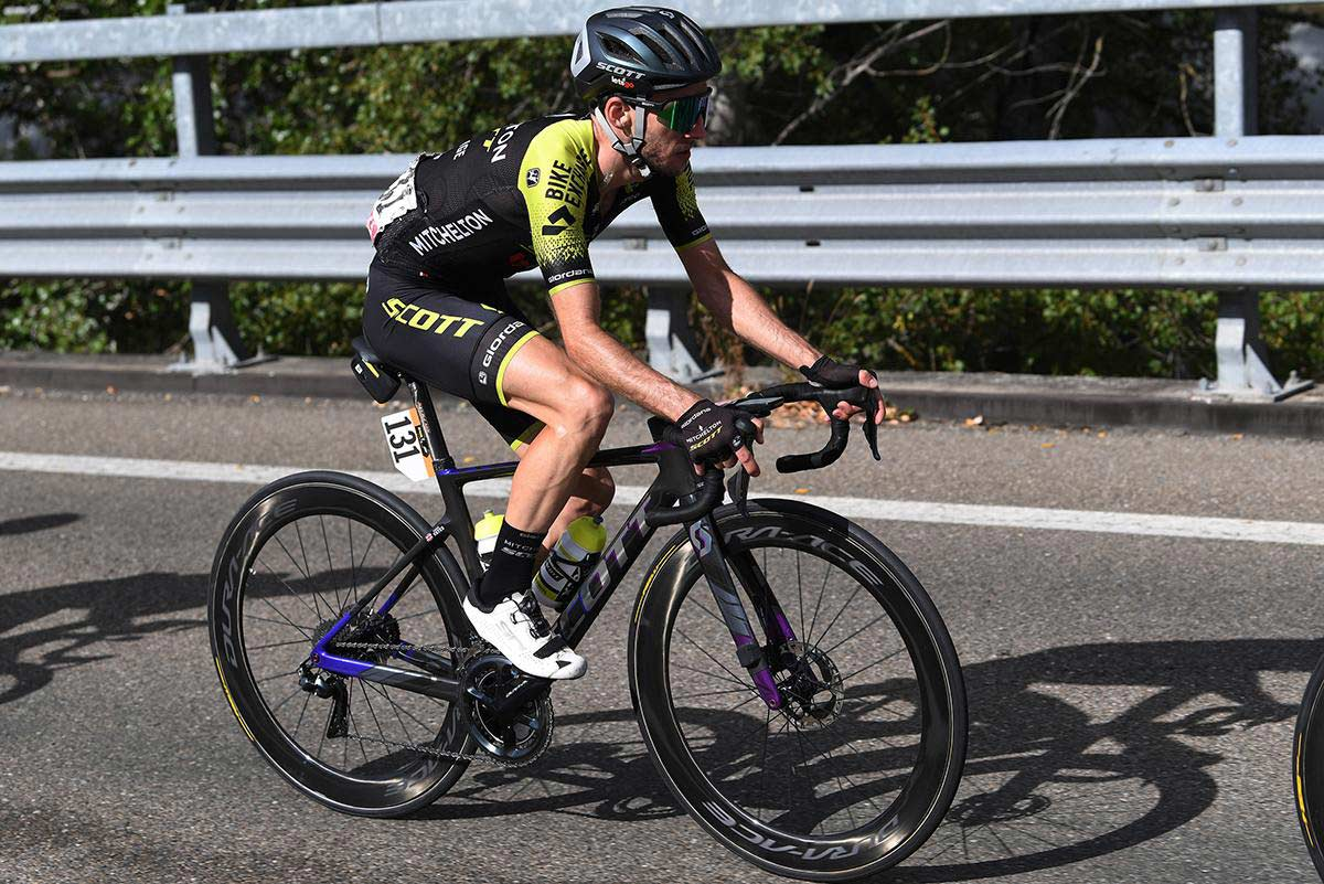 Simon Yates fuera del Giro de Italia al dar positivo en dos test de Covid-19
