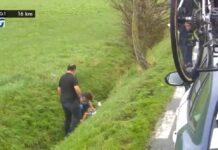 Vídeo: Mathieu van der Poel en el hospital tras caer a una zanja con su bici