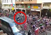 Video-Una-manifestante-se-cuela-dentro-del-peloton-de-La-Vuelta-logrono-espontanea
