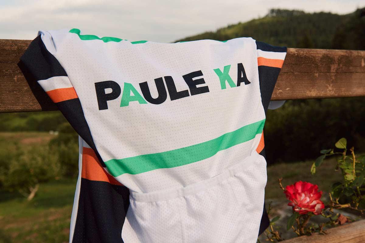 Es con gran pesar que Équipe Paule Ka anuncia el cese inmediato de su temporada de carreras y, lamentablemente, el cierre del equipo - actualmente clasificado cuarto en el mundo con más de 3000 puntos UCI - debido a la ausencia de pagos de patrocinadores desde agosto.