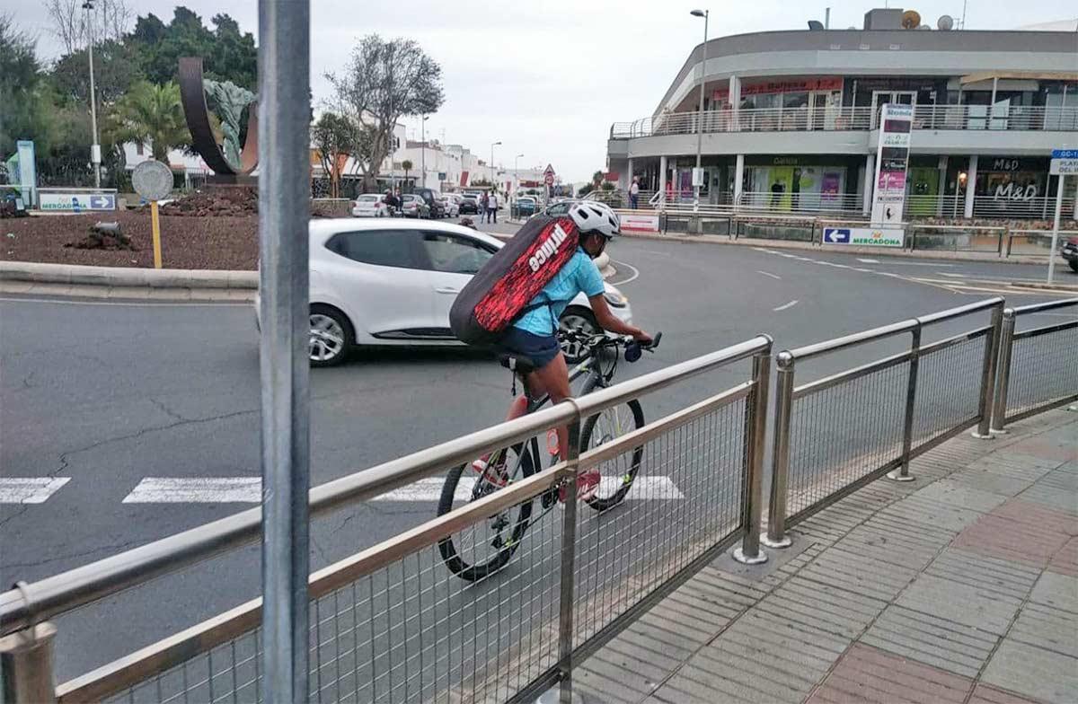 Los ciclistas que menos utilizan el casco y los que más