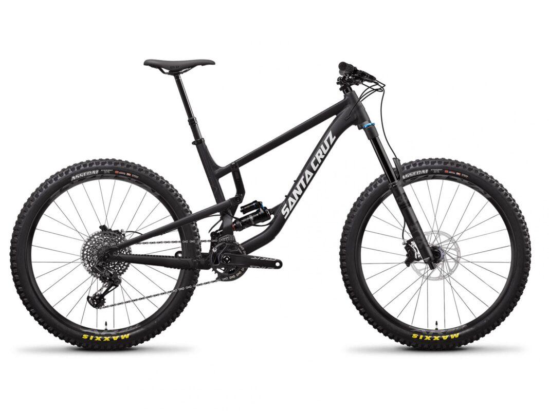 Podrian-doblarse-Santa-Cruz-pide-la-retirada-de-algunas-bicicletas-Bronson-Nomad-5010-Roubion-y-Juliana-Furtado-2020-de-aluminio_pintura