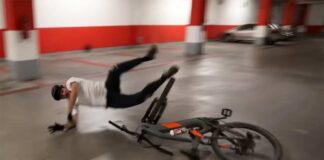 Video-Lo-mas-bestia-que-veras-sobre-una-bicicleta-electrica.-Phil-Atwill-en-Ebike
