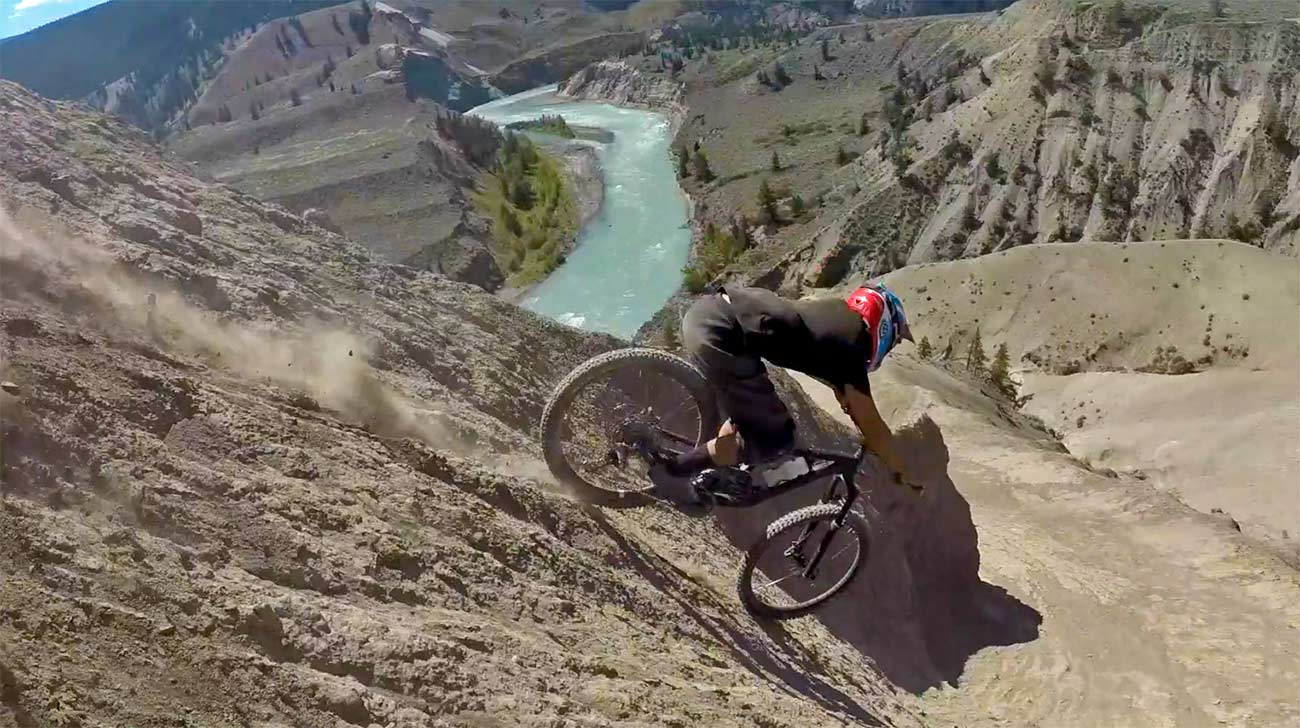 Video-Tres-navarros-en-Canada-El-Freeride-sigue-muerto-Northern-Braaap-Crew