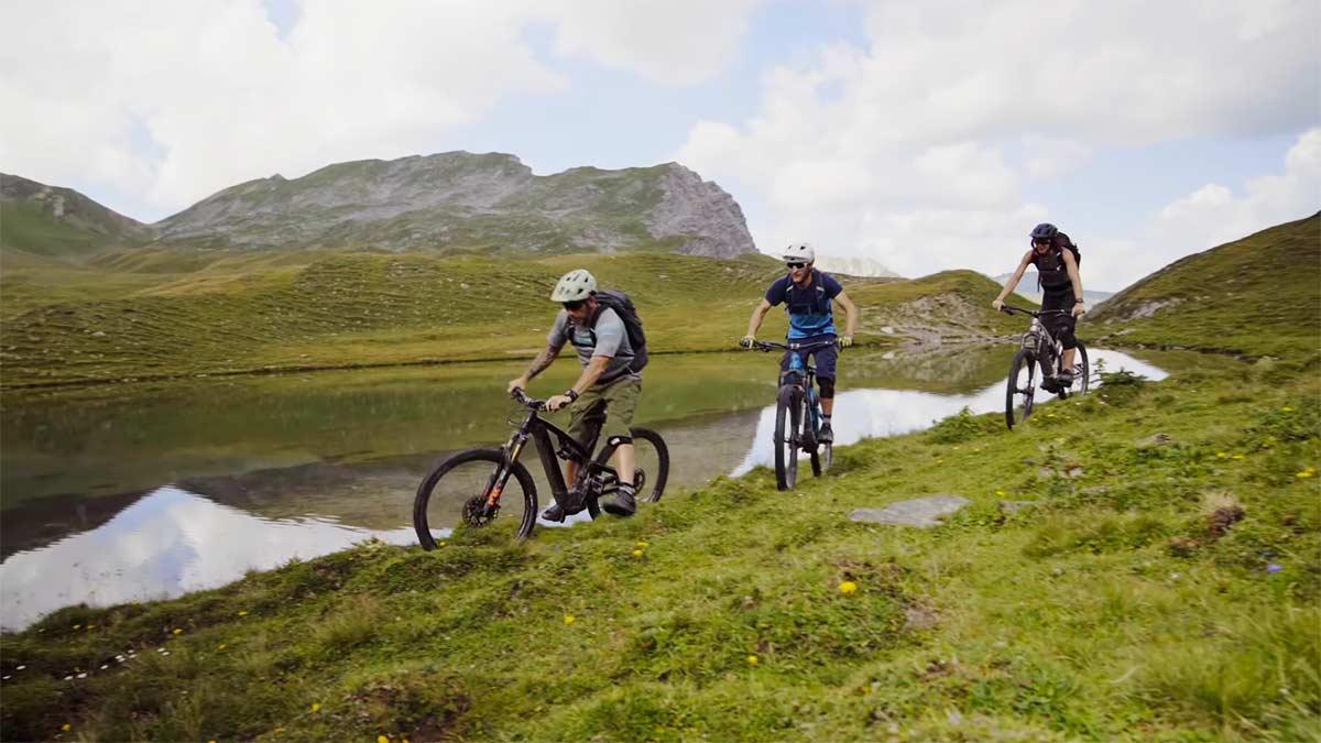Video-Aventura-en-bicicleta-electrica-en-los-Alpes-Suizos