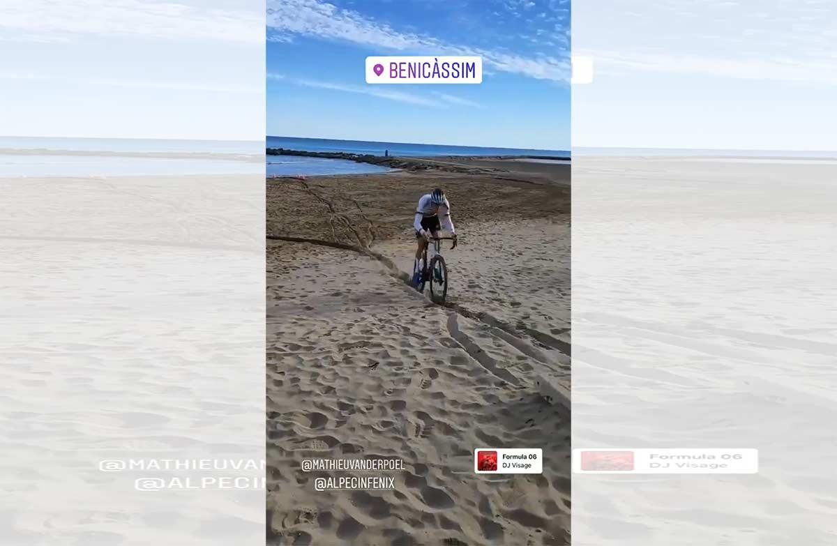 Video-Brutal-entrenamiento-de-Mathieu-van-der-Poel-en-la-playa-de-Benicasim-ciclocross