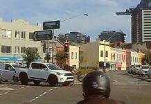 Video-Una-pick-up-atropella-a-un-ciclista-tras-saltarse-ambos-un-semaforo