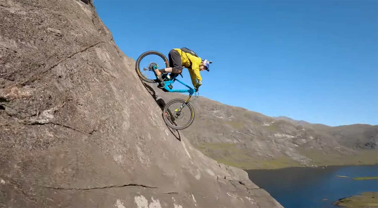 Tienes-vertigo-Wow-Danny-MacAskill-la-vuelve-a-liar-en-su-nuevo-video-The-Slabs