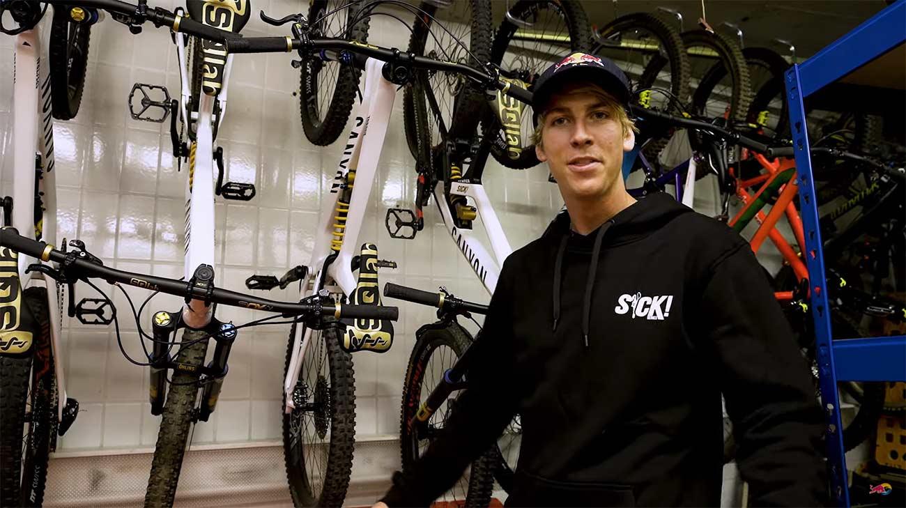 Video-Asi-es-el-garaje-con-todas-las-bicicletas-de-Fabio-Wibmer-canon-specialized-youtuber