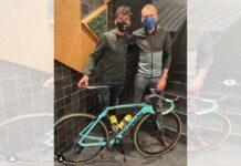 Aleix Espargaró compra la bicicleta del ganador de La Vuelta 2020