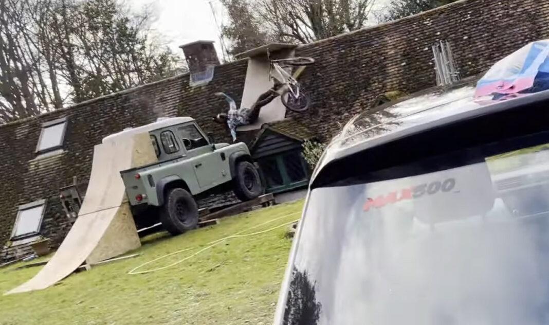 Fairclough intenta saltar su casa desde su Land Rover y algo sale mal