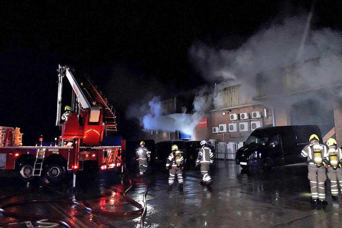 Un incendio destroza por completo la sede de Specialized Bicycles en el Reino Unido