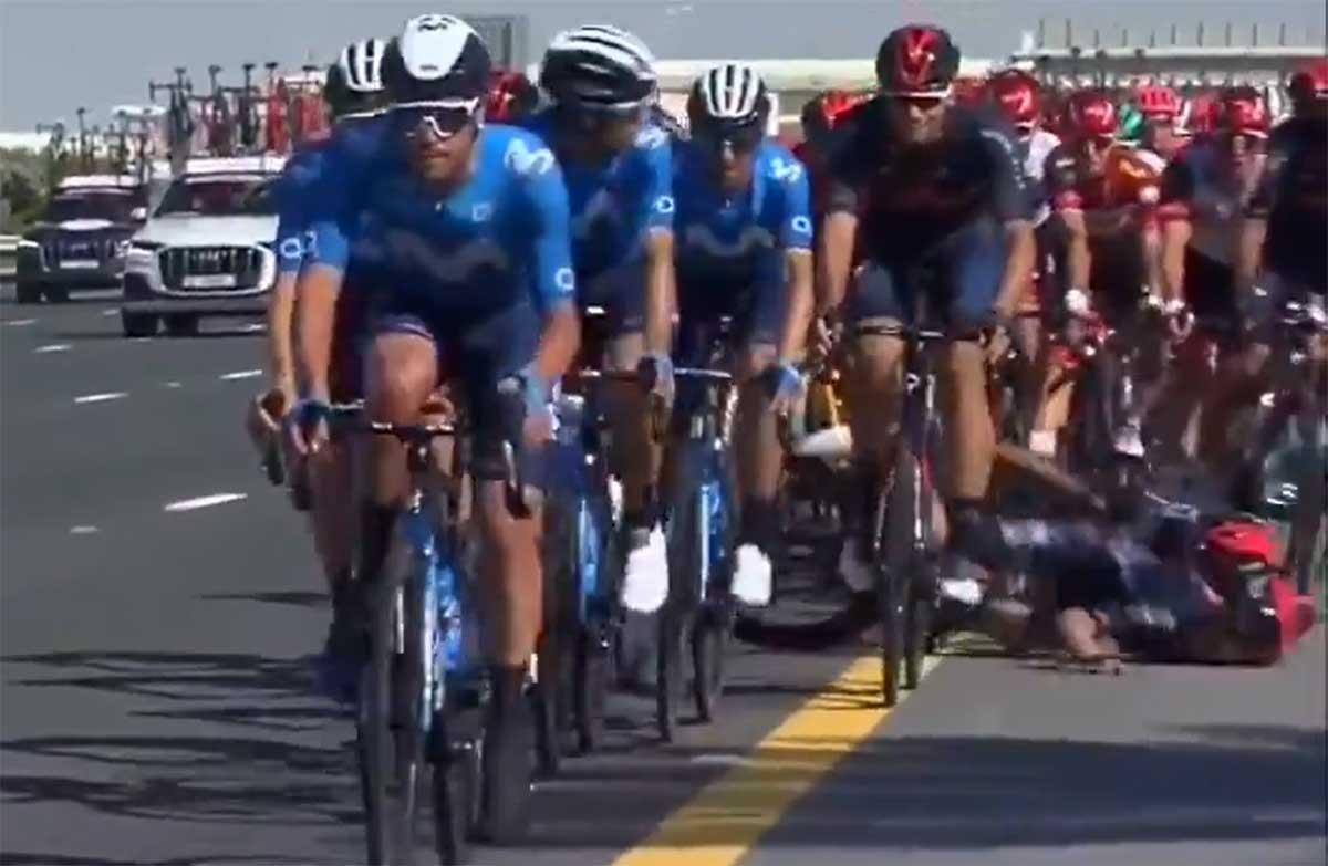 Vídeo: Brutal caída de Adam Yates en la última etapa del UAE Tour 2021