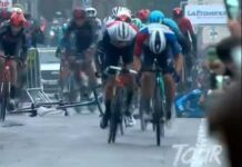 Vídeo: Un espectador tira a un ciclista del Movistar Team en el esprín final del Tour de la Provence